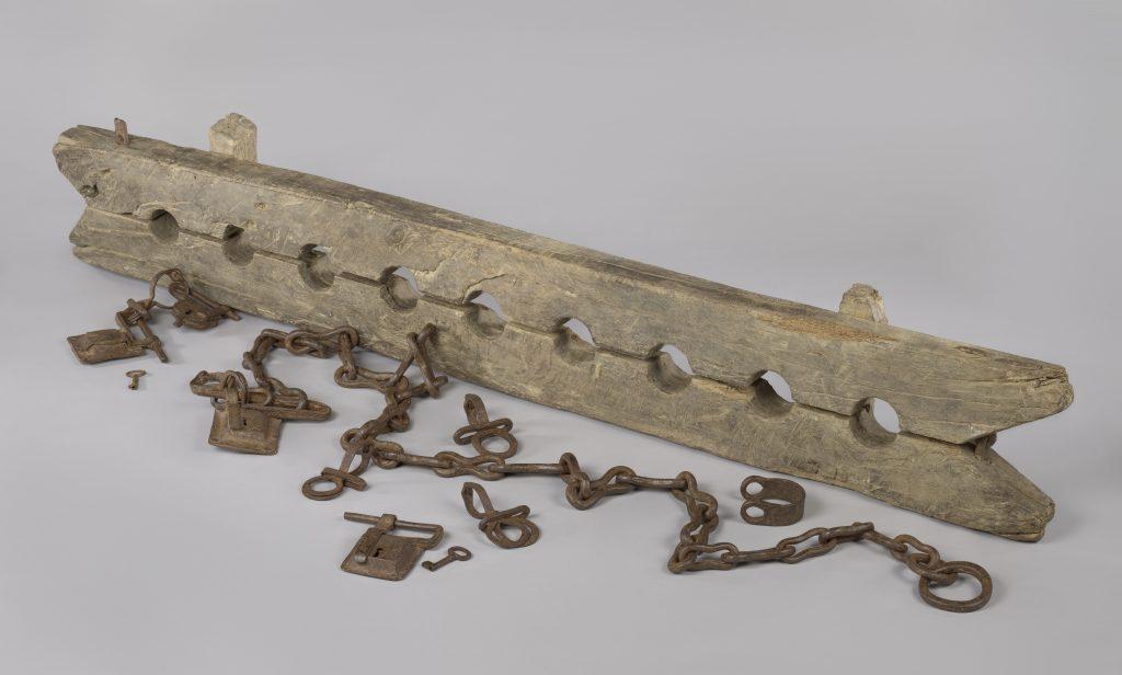 Unknown, Multiple leg cuffs for chaining enslaved people, with 6 loose shackles, ca. 1600-1800. Amsterdam, Rijksmuseum, schenking van de heer J.W. de Keijzer, Gouda.