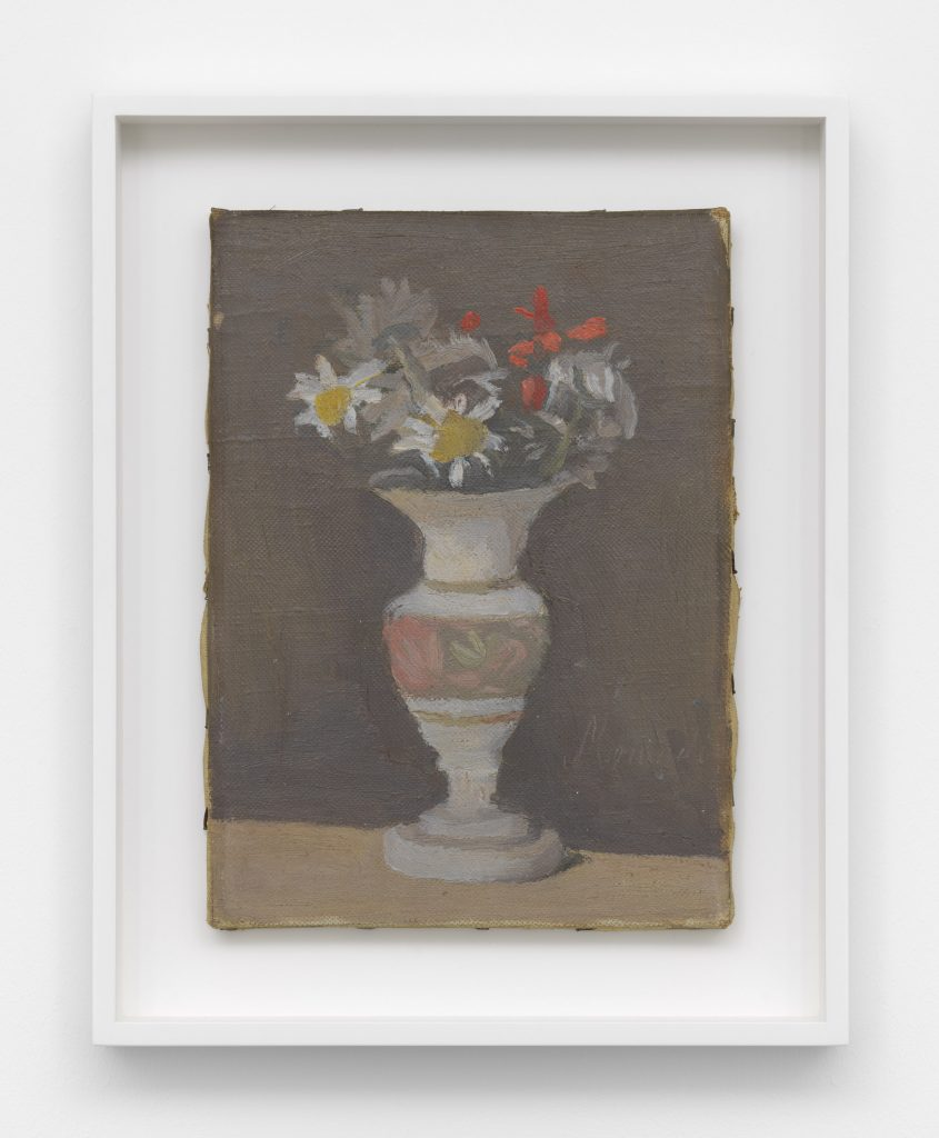 Giorgio Morandi, Fiori (Flowers) (1947). © Artists Rights Society (ARS), New York/SIAE, Rome. Courtesy David Zwirner.