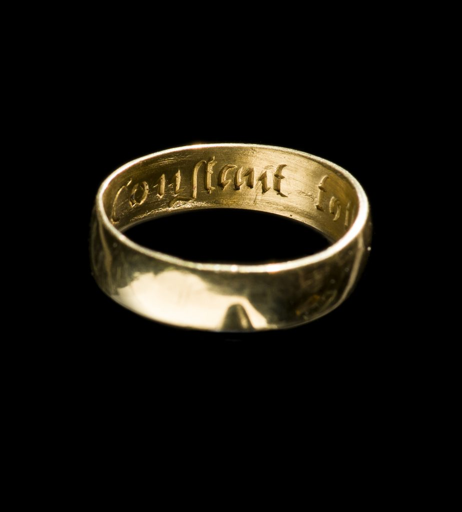 Post medieval gold posy ring from Talgarth.© Amgueddfa Cymru–National Museum Wales.