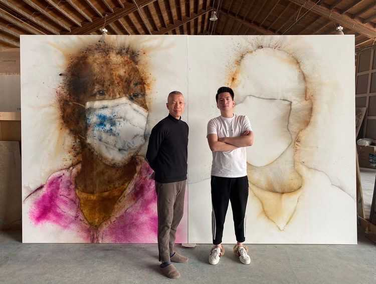 Collector Harry Hu with artist Cai guo qiang. Courtesy of Harry Hu.