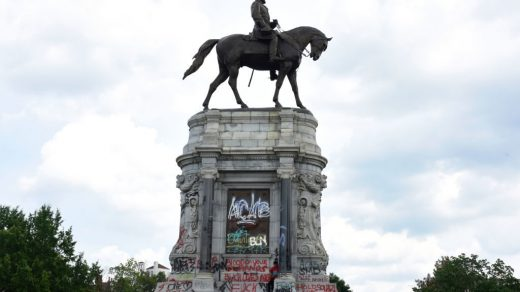 Protesters gather around the statue of Confederate General Robert E. Lee on Monument Avenue on June 6, 2020 in Richmond, Virginia, amidst protests over the death of George Floyd in police custody. Photo by Vivien Killilea/Getty Images.