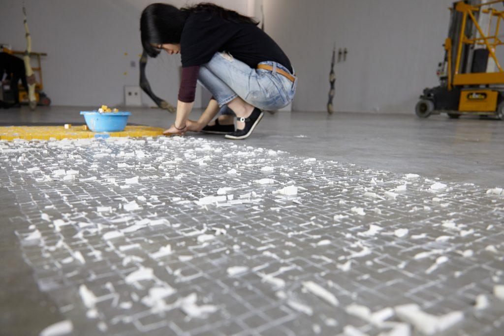 """Yu Ji, """"Inside China : L'Intérieur du géant"""" at Palais de Tokyo, Paris, 2015 © Yu Ji. Courtesy Palais de Tokyo. Photo: Aurélien Mole."""