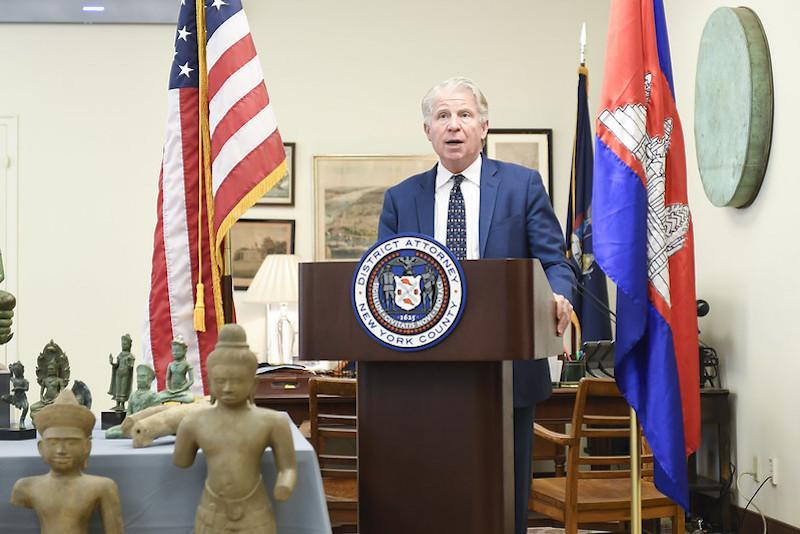 Manhattan District Attorney Cy Vance. Image courtesy of the Office of the District Attorney of New York