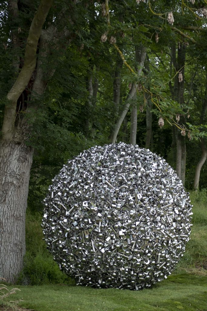 Ryan Gander, More really shiny things that don't mean anything (2012). Courtesy of Jonty Wilde, Lisson Gallery, and Albion Fields.