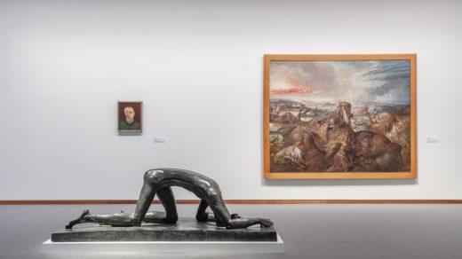"""""""The Art of Society: 1900-1945."""" Collection of the Neue Nationalgalerie. Exhibition view, Neue Nationalgalerie, 2021 © Staatliche Museen zu Berlin, Nationalgalerie / David von Becker"""